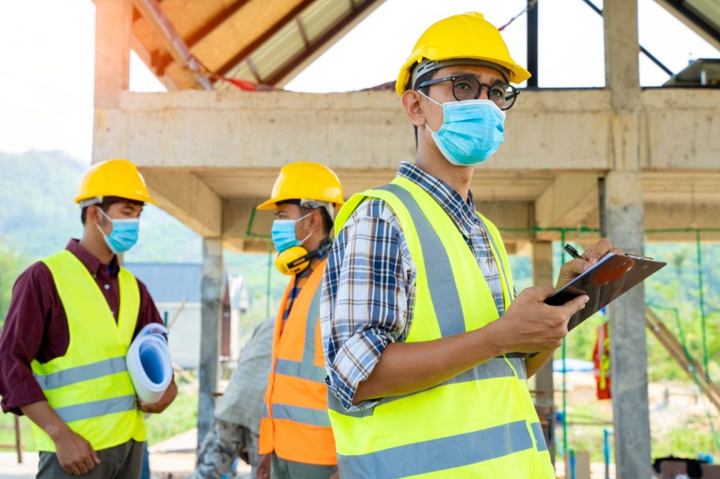 Blog - construction site with masks